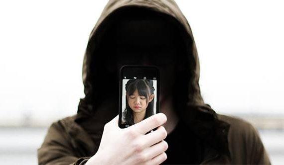 Stop Posting Foto Anak ! Ini Bahayanya