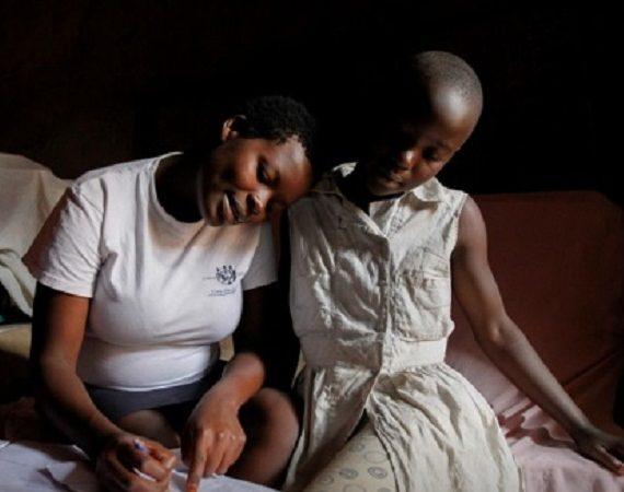 Perempuan di Uganda Ingin Bersekolah Kembali